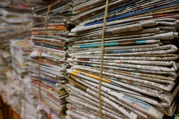 Print newspapers in India are primarily distributed in single-copy sales and supported by advertisers. Photo courtesy of Pexels from Pixabay.