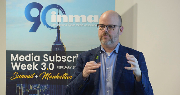 Peter Doucette leads INMA workshop attendees through 10 metrics for digital subscription success.