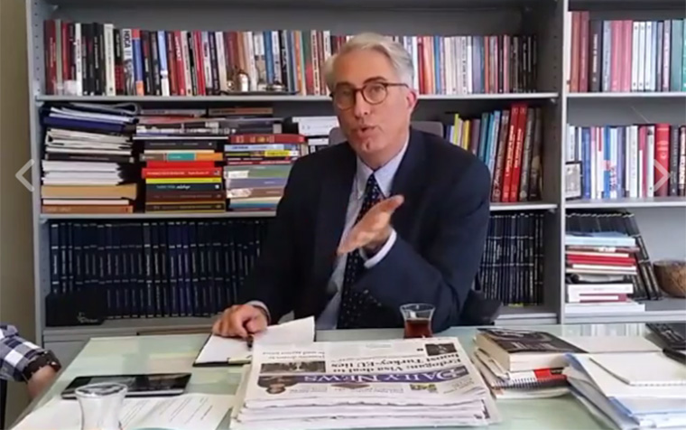 Murat Yetkin shares his story of the coup in a Facebook live showing of Soru Hürriyeti.