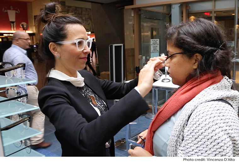 People who came to the pop-up event tried on frames from the new collection, and shared selfies with the hashtag #NLnewlooking.